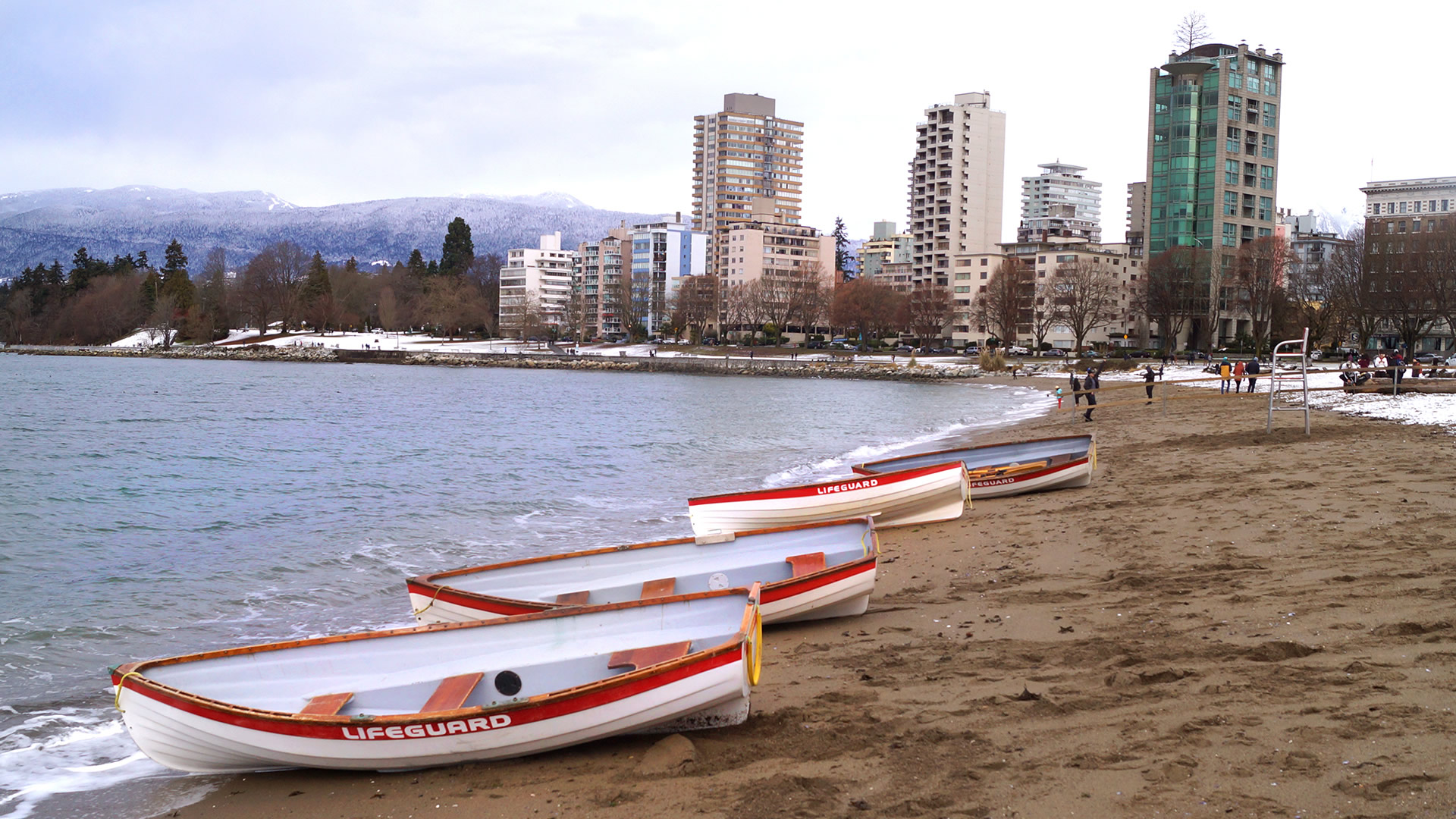 Westcoast-Lifeguard-Rowboat-credit-City-of-Vancouver-Whitehall-Rowing-and-Sail-5a