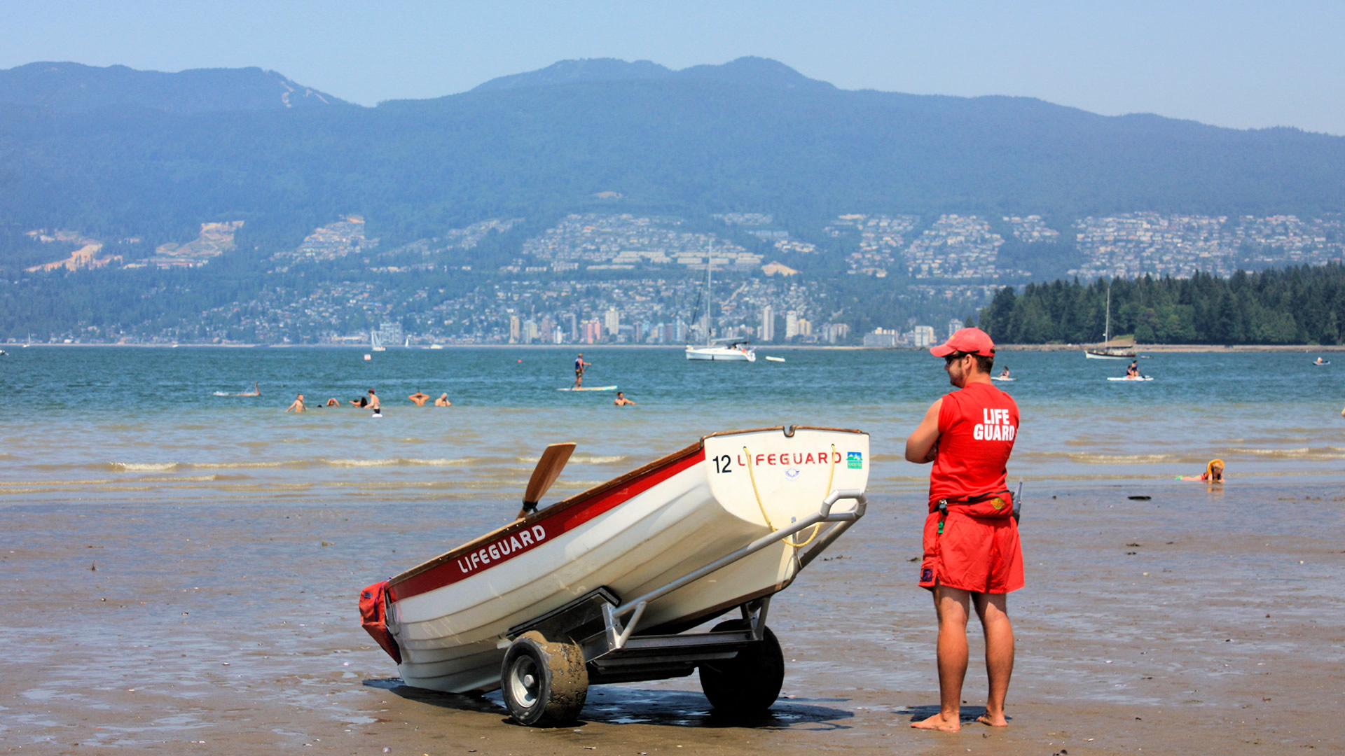 Westcoast-Lifeguard-Rowboat-credit-Gerry-Bates-Photography-Whitehall-Rowing-and-Sail-9a
